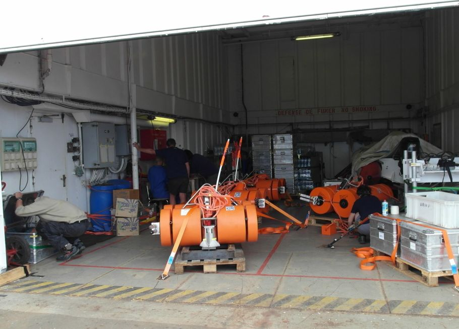 The workshop: ocean-bottom seismometers ready to take a dive. (Photo: Karin Sigloch)